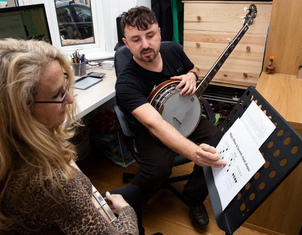 Sam Garrard - Banjo and Guitar Teacher